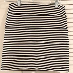 🔴 Victoria's Secret PINK Black White Stripe Skirt